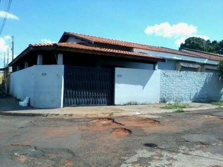 RUA URUGUAI, ESQ. AV 11 - BARRETOS//SP