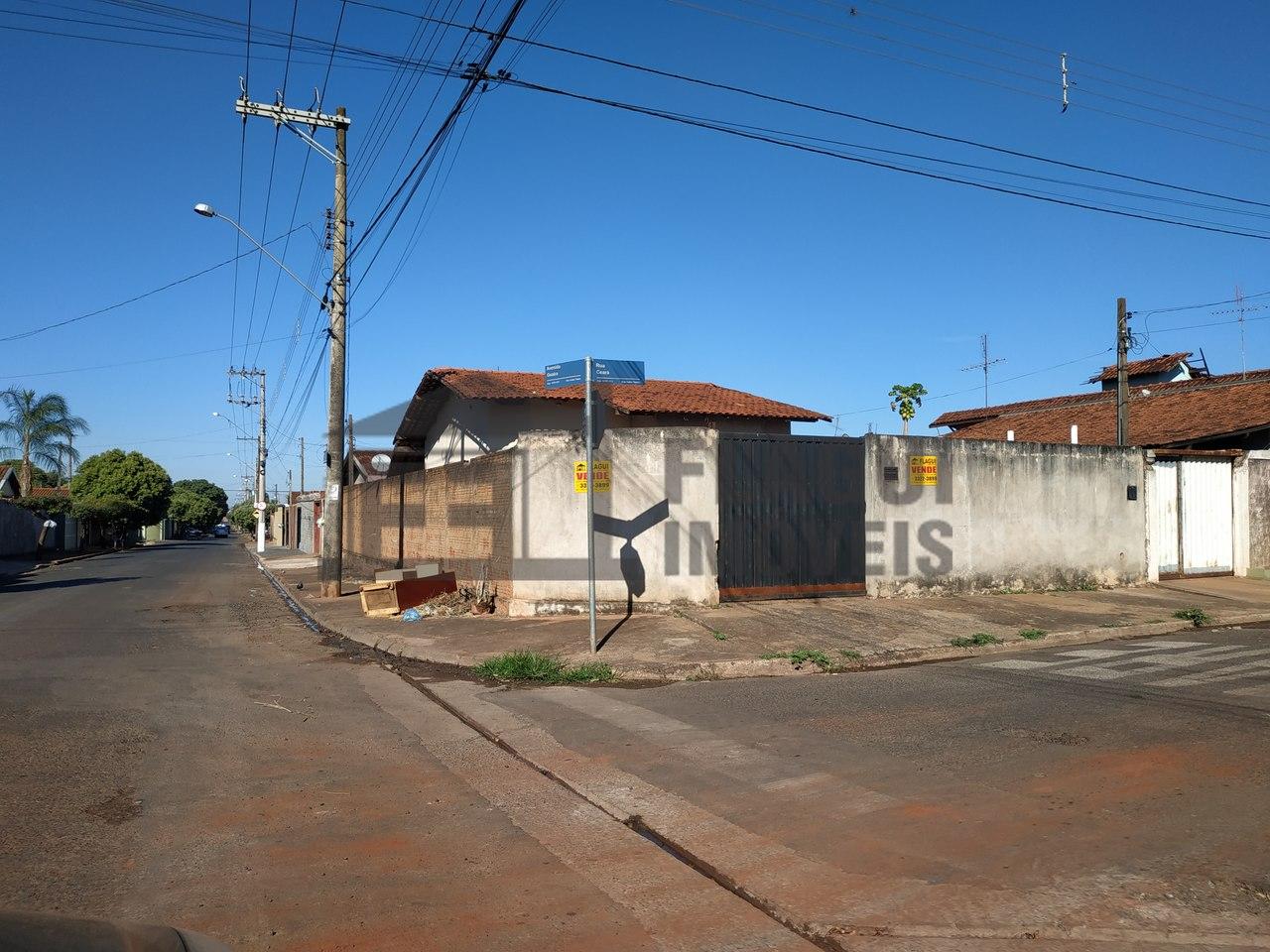 RUA CEARA ESQUINA COM AVENIDA GUAIRA Nº 171